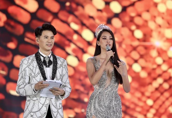Đỗ Thị Hà đăng quang Hoa hậu Việt Nam 2020 - ảnh 6