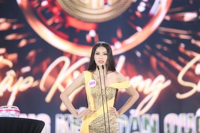 Đỗ Thị Hà đăng quang Hoa hậu Việt Nam 2020 - ảnh 13