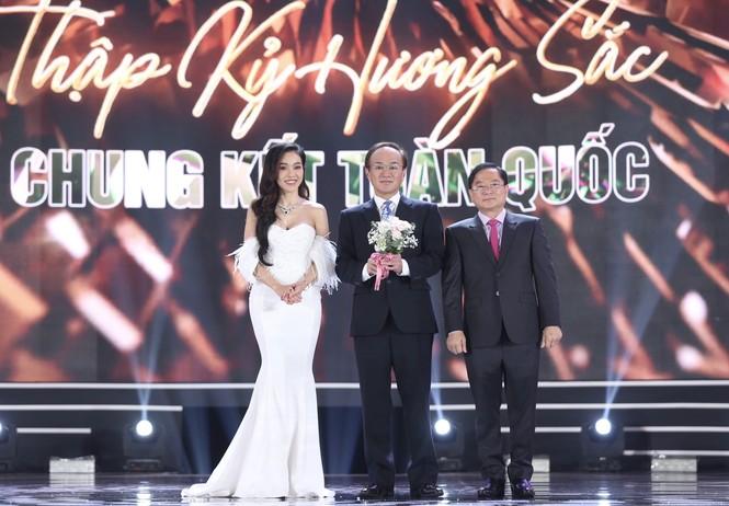 Đỗ Thị Hà đăng quang Hoa hậu Việt Nam 2020 - ảnh 48