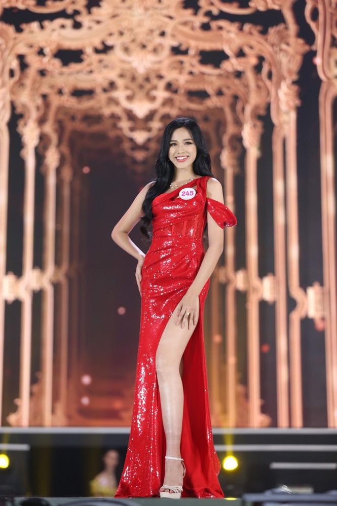 Đỗ Thị Hà đăng quang Hoa hậu Việt Nam 2020 - ảnh 23