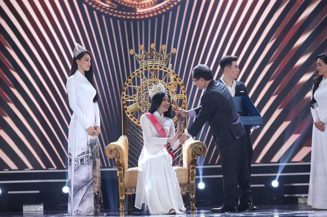 Đỗ Thị Hà đăng quang Hoa hậu Việt Nam 2020 - ảnh 2