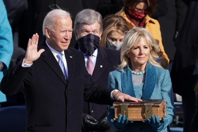 Trực tiếp: Ông Joe Biden tuyên thệ nhậm chức Tổng thống Mỹ thứ 46 - ảnh 13