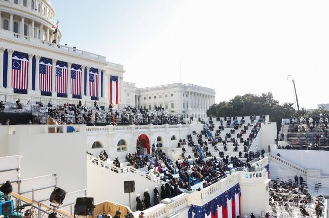 Trực tiếp: Ông Joe Biden tuyên thệ nhậm chức Tổng thống Mỹ thứ 46 - ảnh 9