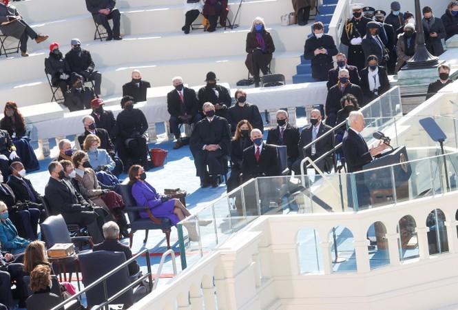 Trực tiếp: Ông Joe Biden tuyên thệ nhậm chức Tổng thống Mỹ thứ 46 - ảnh 10