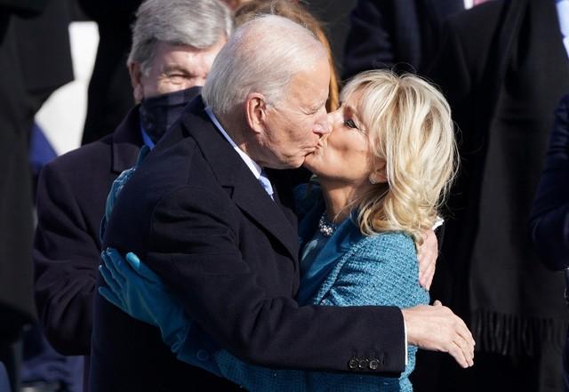 Trực tiếp: Ông Joe Biden tuyên thệ nhậm chức Tổng thống Mỹ thứ 46 - ảnh 14