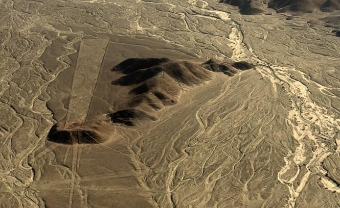 Bí ẩn 'Những đường vẽ Nazca' giữa sa mạc Peru - ảnh 7