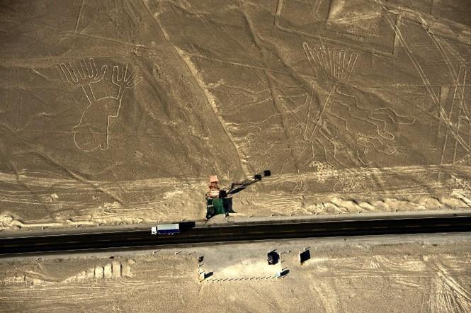 Bí ẩn 'Những đường vẽ Nazca' giữa sa mạc Peru - ảnh 3