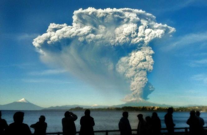 [ẢNH] Thời khắc núi lửa phun trào kinh hoàng ở Chile - ảnh 3