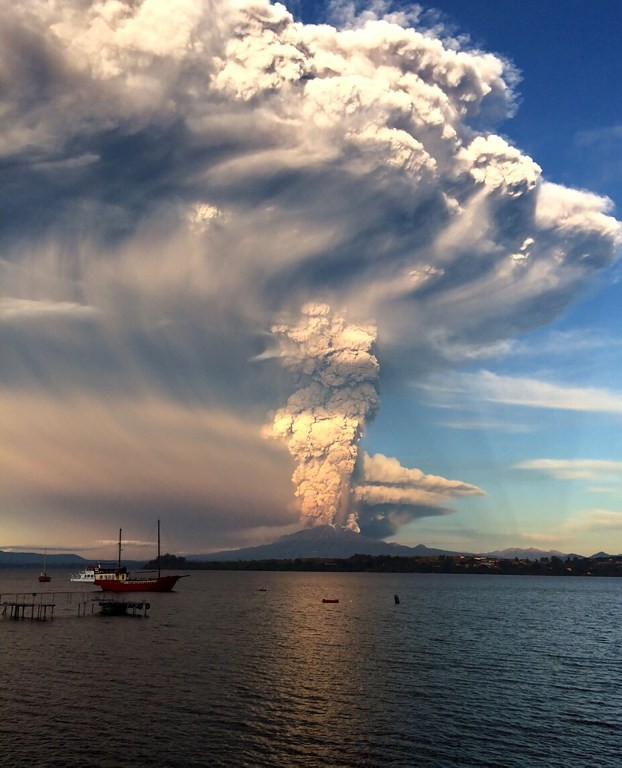 [ẢNH] Thời khắc núi lửa phun trào kinh hoàng ở Chile - ảnh 4