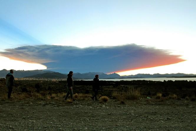 [ẢNH] Thời khắc núi lửa phun trào kinh hoàng ở Chile - ảnh 7