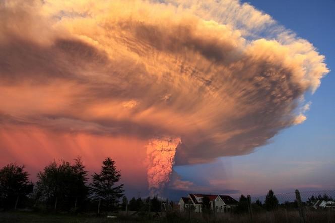 [ẢNH] Thời khắc núi lửa phun trào kinh hoàng ở Chile - ảnh 8