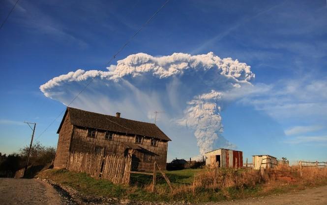 [ẢNH] Thời khắc núi lửa phun trào kinh hoàng ở Chile - ảnh 10