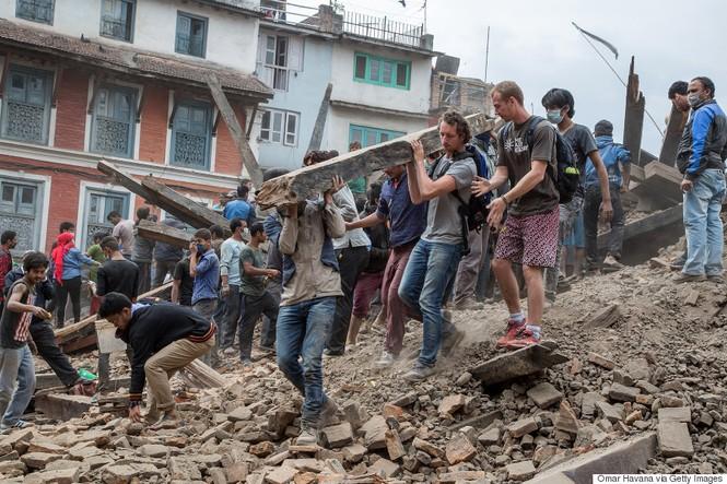 Đau thương bao trùm Nepal sau thảm họa động đất - ảnh 16