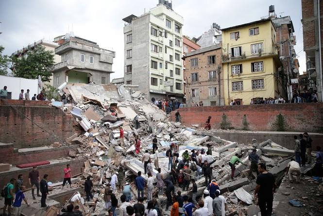 Đau thương bao trùm Nepal sau thảm họa động đất - ảnh 14
