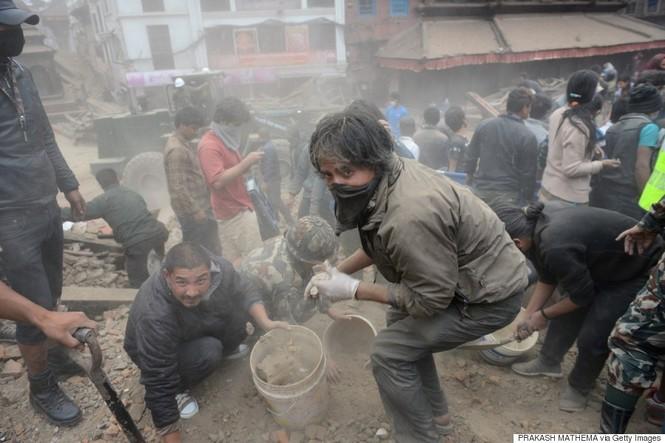 Đau thương bao trùm Nepal sau thảm họa động đất - ảnh 7