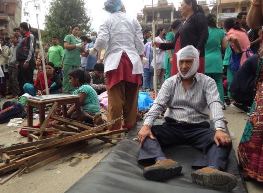 Đau thương bao trùm Nepal sau thảm họa động đất - ảnh 9