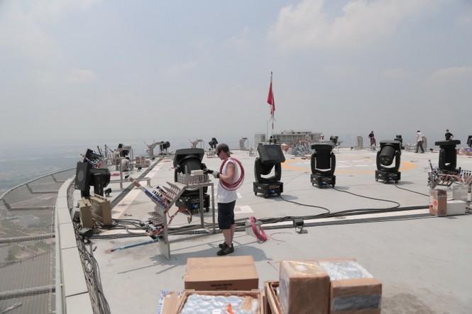 Mục kích 'trận địa' pháo hoa ở tòa nhà cao nhất TP.HCM - ảnh 5