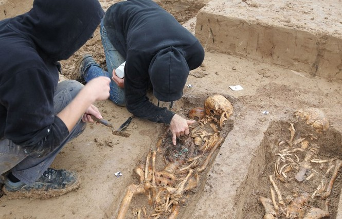 Tận thấy hố chôn tập thể 200 binh sĩ Napoleon tại Đức - ảnh 4