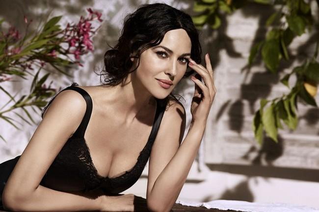 Biểu tượng sắc đẹp Monica Bellucci đẹp rạng ngời ở tuổi 52 - ảnh 7
