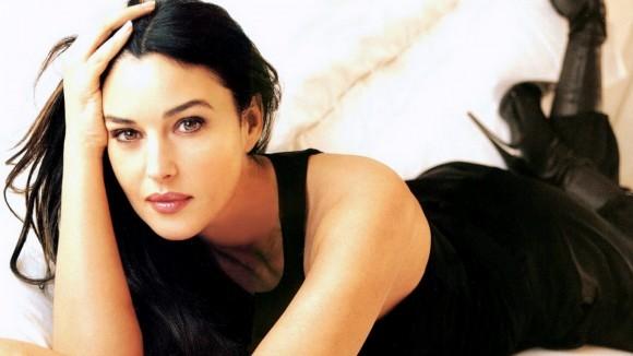 Biểu tượng sắc đẹp Monica Bellucci đẹp rạng ngời ở tuổi 52 - ảnh 5