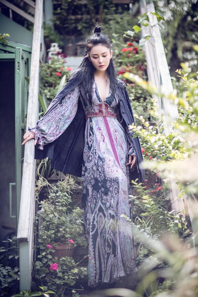 'Quả bom sex' Trương Hinh Dư khoe vẻ đẹp đầy ma lực - ảnh 5