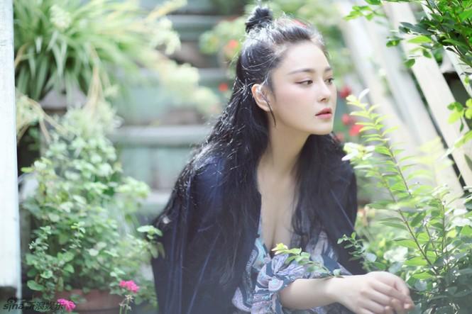'Quả bom sex' Trương Hinh Dư khoe vẻ đẹp đầy ma lực - ảnh 6