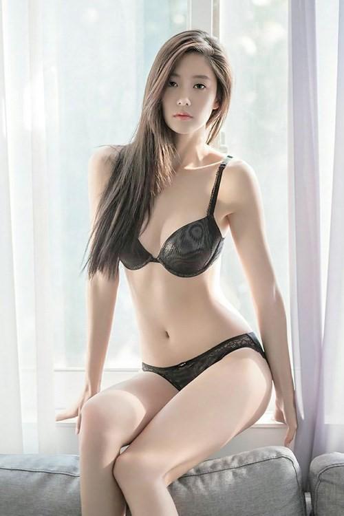 'Bom sex Hàn' Clara thả dáng siêu quyến rũ với nội y - ảnh 7