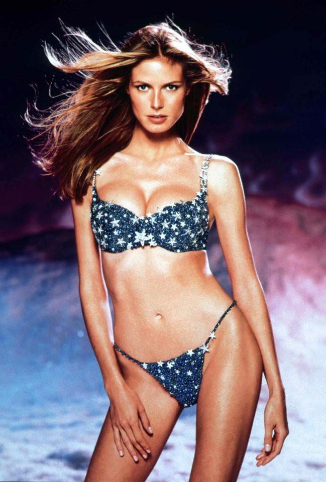 Vóc dáng hoàn hảo của 2 thiên thần Victoria's Secret mặc Fantasy Bra triệu đô nhiều nhất - ảnh 1