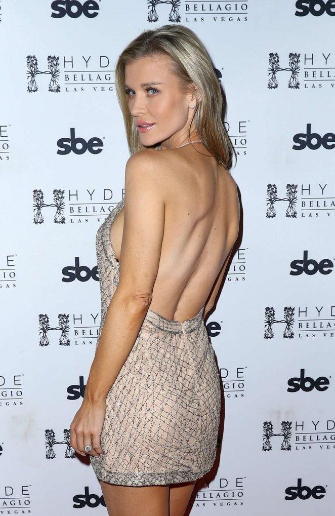 Người mẫu Playboy Joanna Krup diện đầm trễ nải khoe dáng nuột - ảnh 2