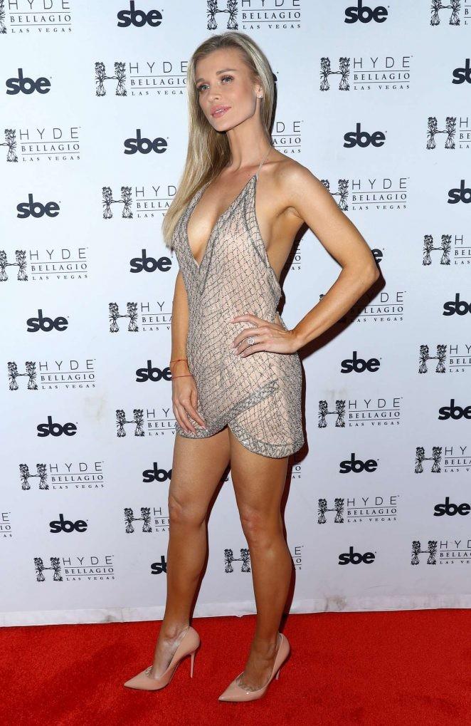 Người mẫu Playboy Joanna Krup diện đầm trễ nải khoe dáng nuột - ảnh 7