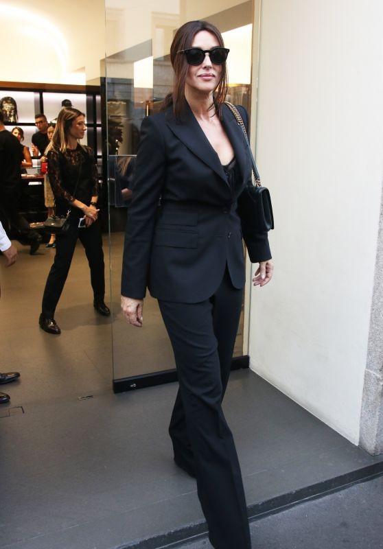 'Biểu tượng nhan sắc' Monica Bellucci quyến rũ hút hồn ở Milan - ảnh 5