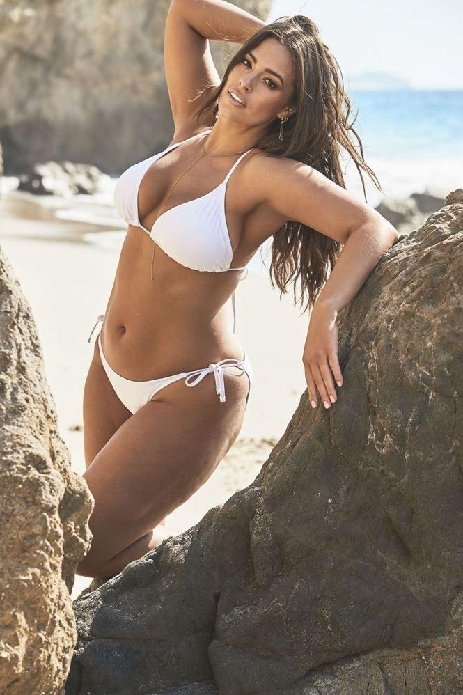 Siêu mẫu ngoại cỡ Ashley Graham khoe dáng nảy nở sexy hết nấc - ảnh 8