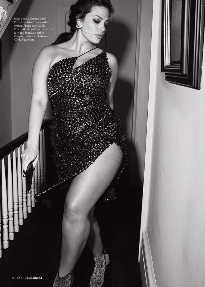 Siêu mẫu ngoại cỡ Ashley Graham khoe dáng nảy nở sexy hết nấc - ảnh 9