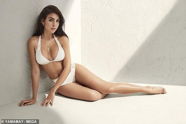 Bạn gái Ronaldo khoe dáng 'bốc lửa' với bikini gây sốt - ảnh 7