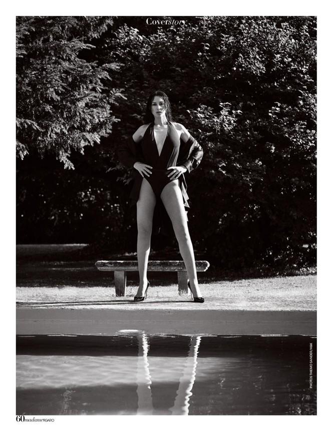 'Người đàn bà đẹp' Monica Bellucci nóng bỏng ngỡ ngàng ở tuổi 55 - ảnh 9