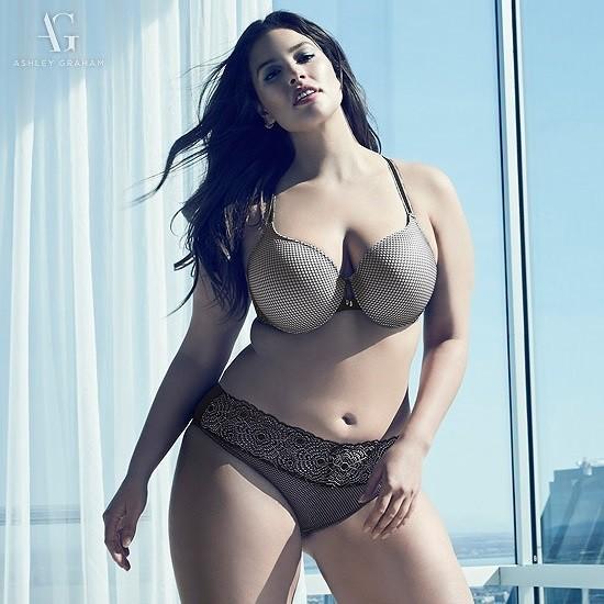 Siêu mẫu ngoại cỡ Ashley Graham phô ngực đầy nóng bỏng  - ảnh 9