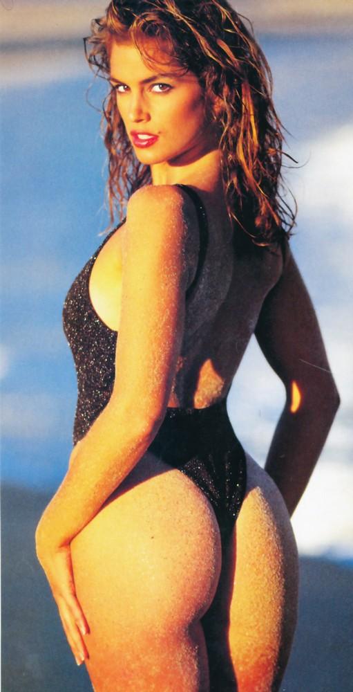 'Huyền thoại' làng mốt Cindy Crawford khoe body 'cực phẩm' ở tuổi 53 - ảnh 6