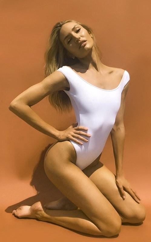 Mê mẩn ngắm 'Biểu tượng sắc đẹp' Nam Phi như búp bê 'Barbie sống'  - ảnh 3
