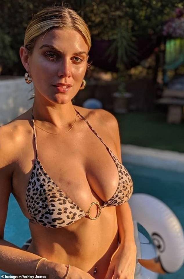 Ashley James khoe ngực nảy nở và vòng 2 không ngấn mỡ với bikini bé xíu - ảnh 3