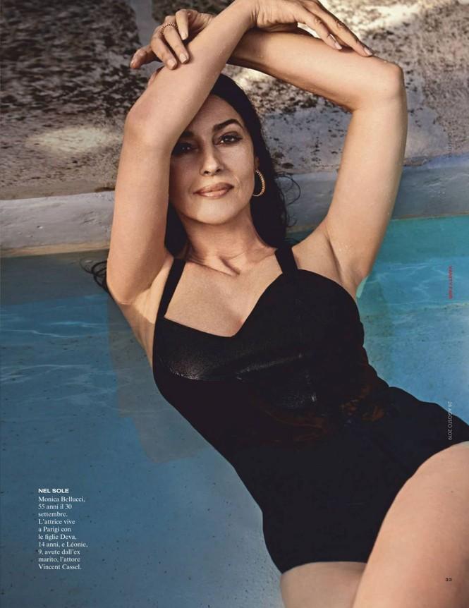 'Tượng đài nhan sắc Ý' Monica Bellucci phô ngực đầy nóng bỏng trên tạp chí  - ảnh 3