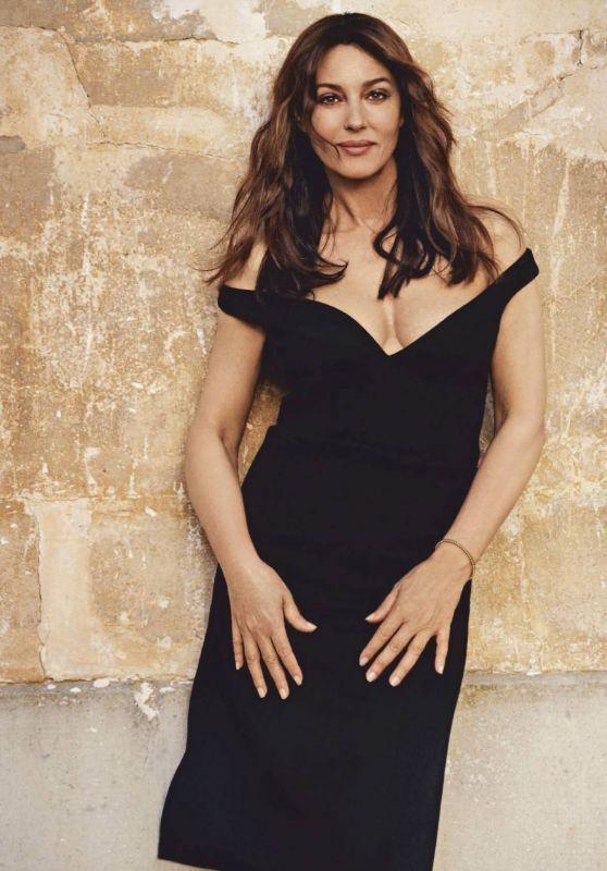 'Tượng đài nhan sắc Ý' Monica Bellucci phô ngực đầy nóng bỏng trên tạp chí  - ảnh 5