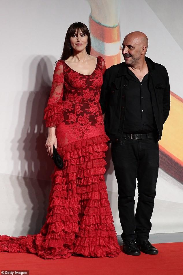 Minh tinh Monica Bellucci xinh đẹp không tuổi trên thảm đỏ LHP Venice - ảnh 4