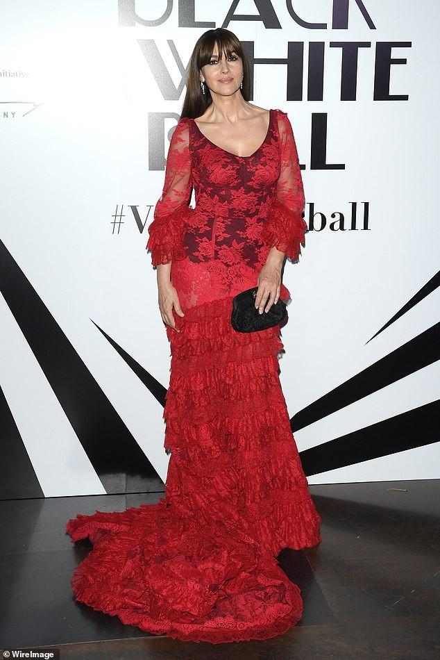 Minh tinh Monica Bellucci xinh đẹp không tuổi trên thảm đỏ LHP Venice - ảnh 8
