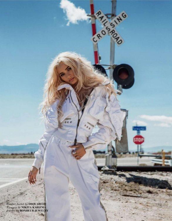Nữ ca sĩ Mỹ phô đường cong thể hình tuyệt đẹp như siêu mẫu - ảnh 7