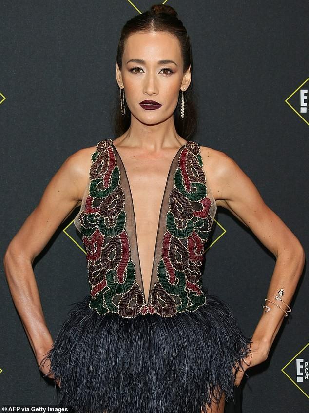 Sao nữ gốc Việt Maggie Q diện váy xẻ ngực đến eo - ảnh 4