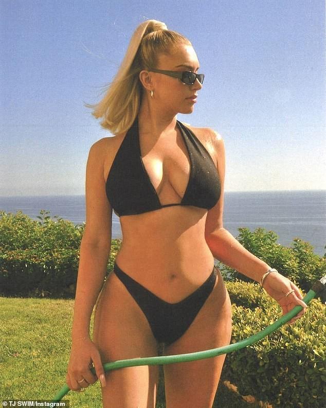 Mỹ nhân nóng bỏng Anastasia Karanikolaou 'đốt' ánh nhìn với bikini - ảnh 1