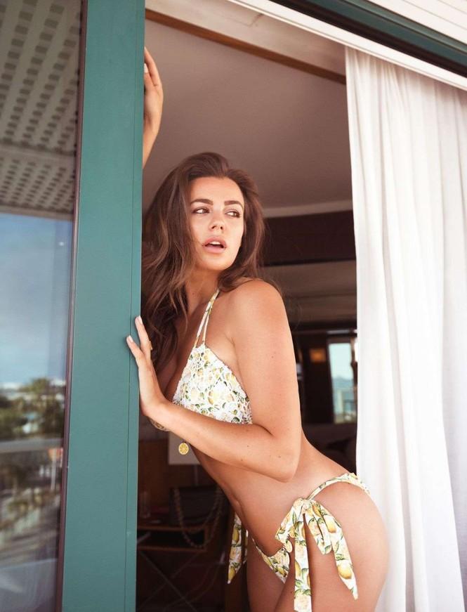 Vóc dáng tròn đầy nóng bỏng của người mẫu ngoại cỡ Nadine Mirada - ảnh 3