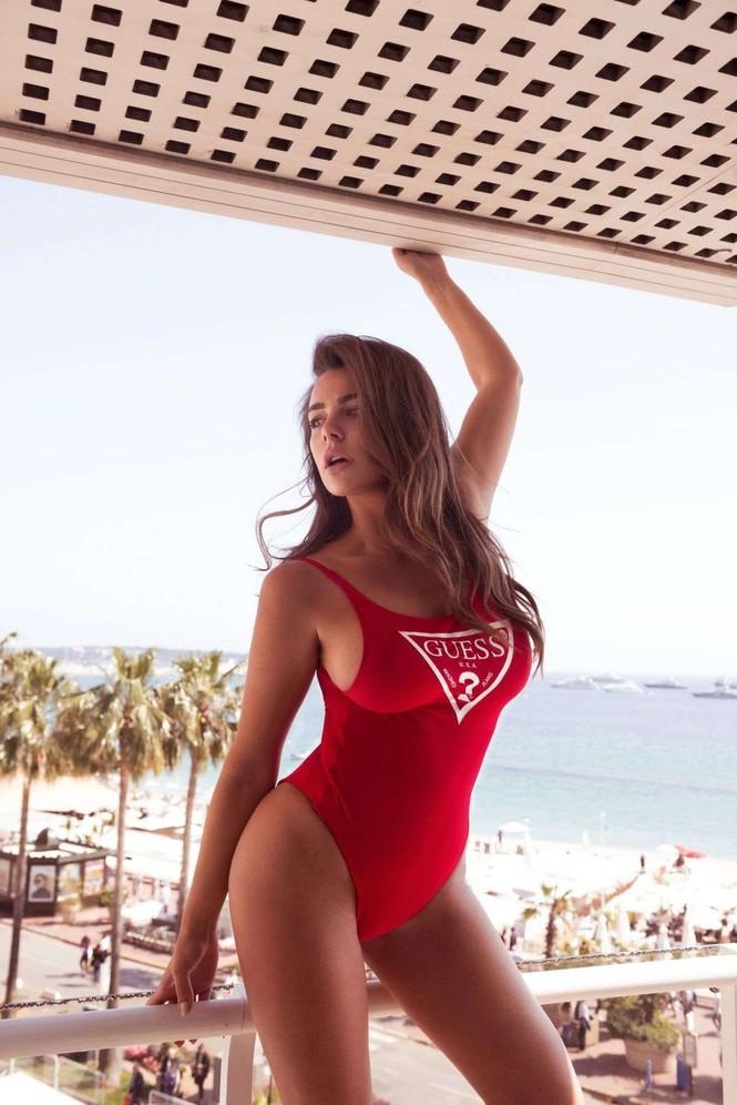 Vóc dáng tròn đầy nóng bỏng của người mẫu ngoại cỡ Nadine Mirada - ảnh 5