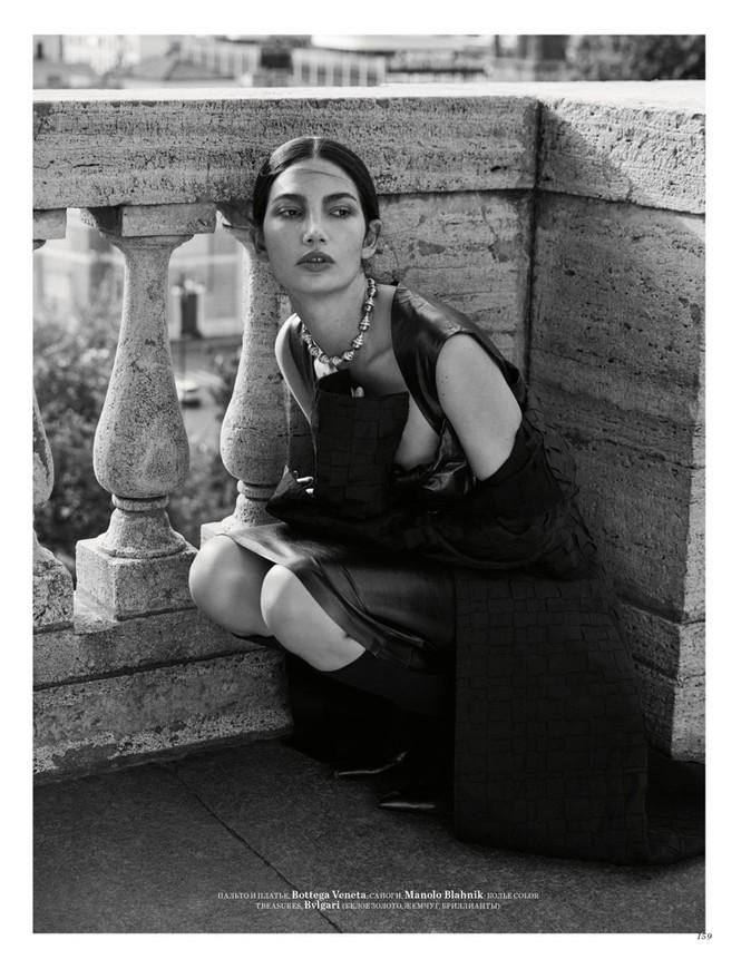 'Thiên thần nội y' Lily Aldridge khoe nhan sắc đẹp không 'góc chết' trên tạp chí - ảnh 10