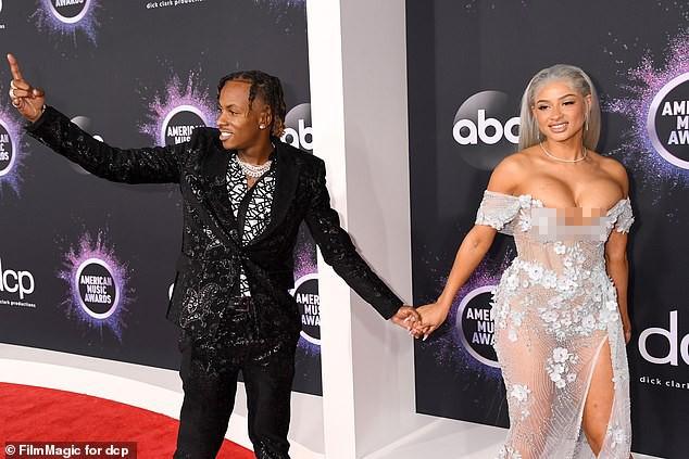 Cặp đôi hành động gợi dục phản cảm ở American Music Awards 2019  - ảnh 4